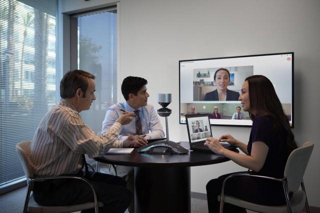或使用现有的宝利通会议电话设备,从行业最佳语音和视频性能中受益